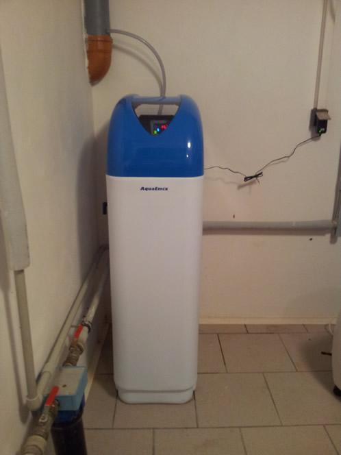 Instalace domácí úpravny vody v rodinném domku. Náplň Ecomix - Pro odstranění manganu, železa a tvrdosti vody.